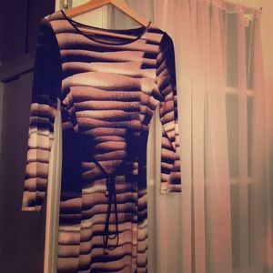 Graphic patterned stretch dress